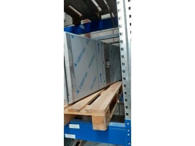 1300x600x600 Sonderborg RVS 1,5 mm met overlappende deuren met deukje